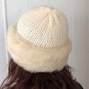 Vintage Aris Faux Fur Trim Bucket Hat Cream EUC